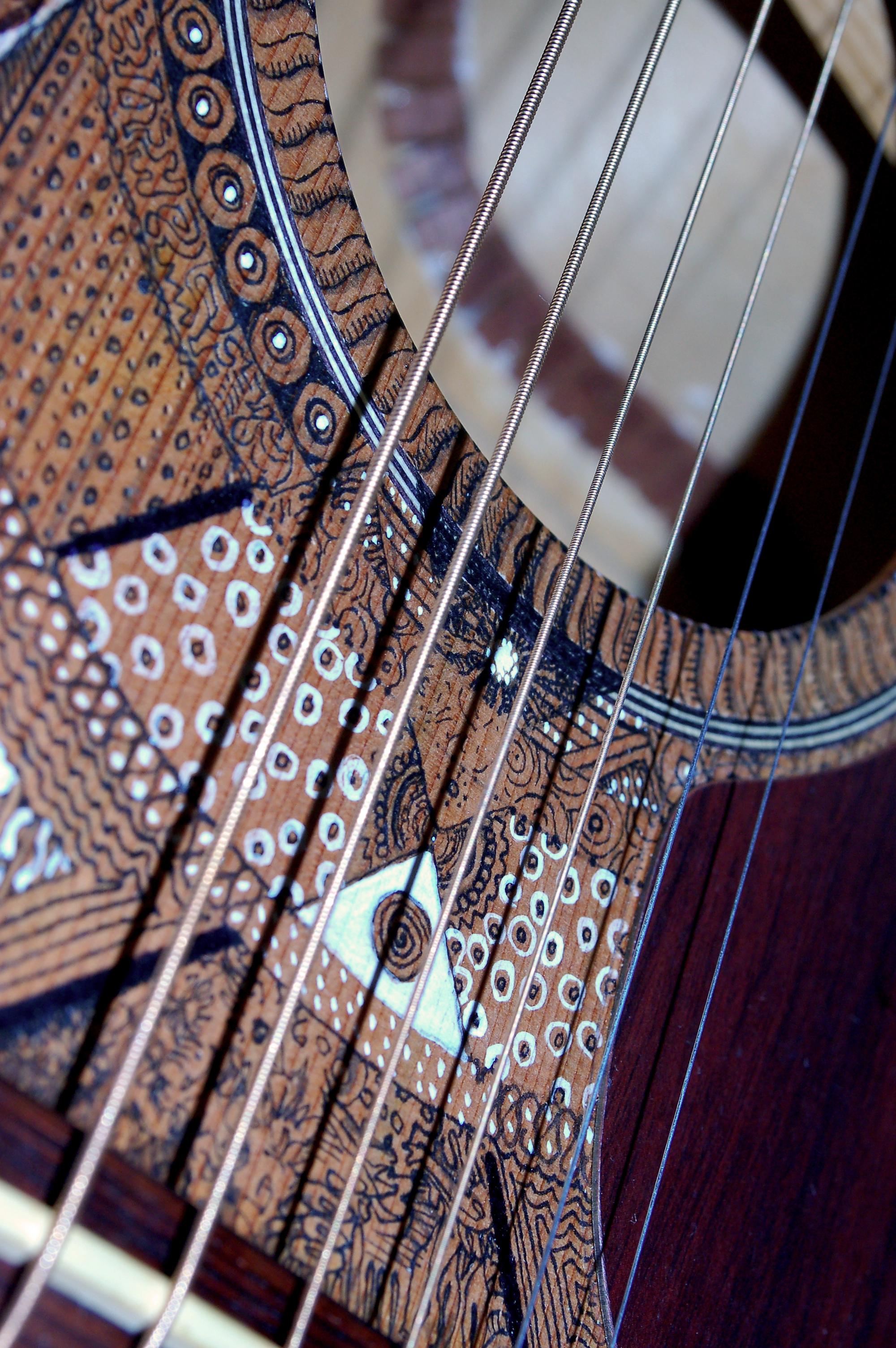 rons-guitar-detail3.jpg