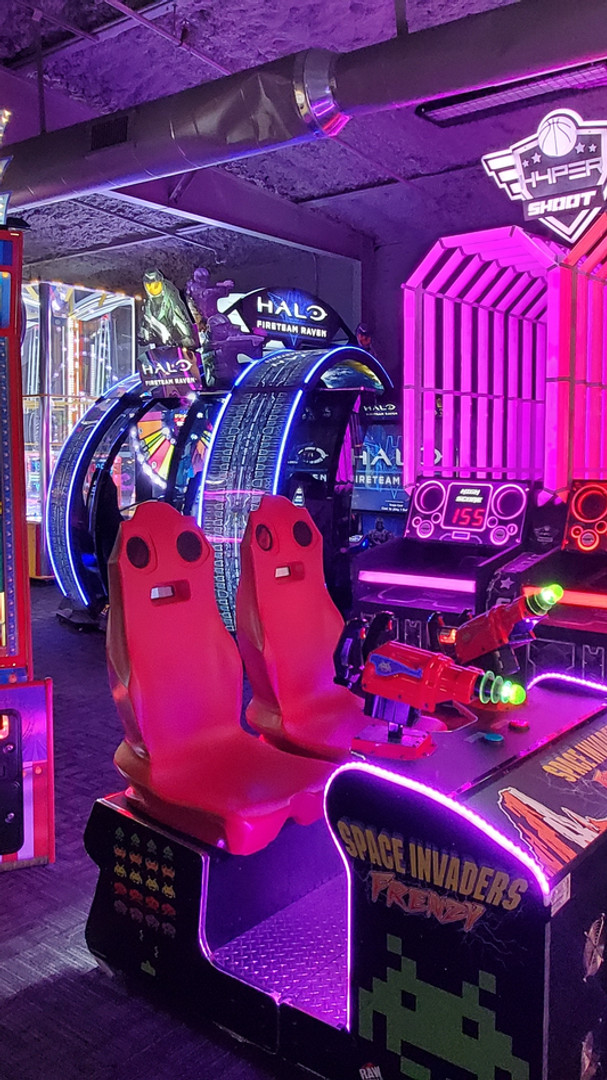 Seminole Lanes Gameroom