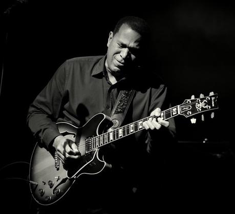 Melvin Taylor Guitar.png