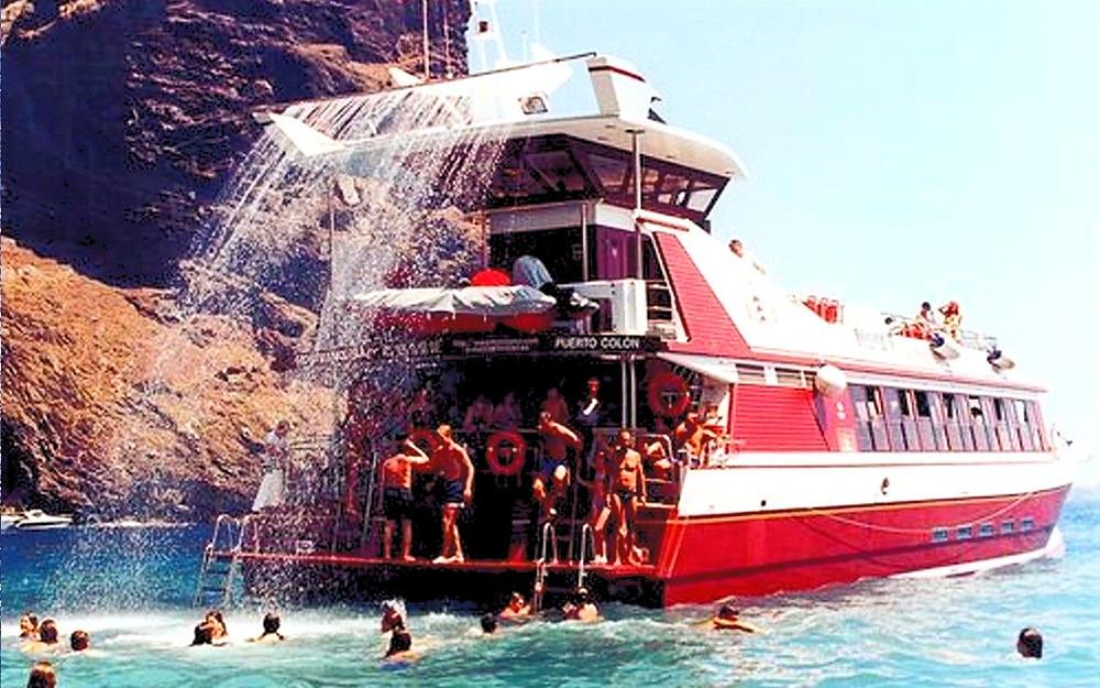 Barco Fiesta Disversión oceano