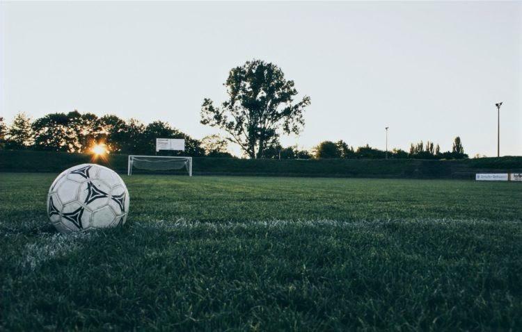 Partido accidentado de fútbol