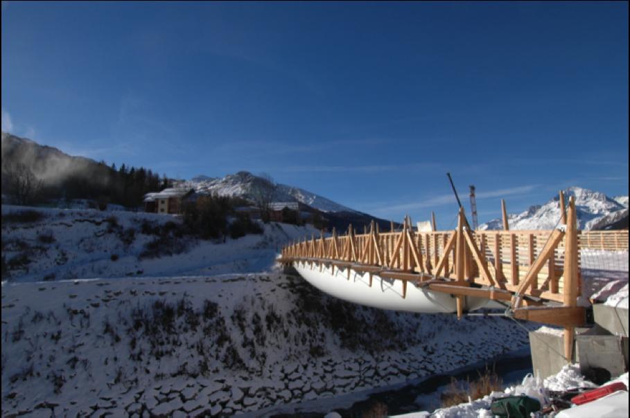 Tensairity - Pont de Val Cenis, Suisse - 52x10 m, Charge max. 780 Ton. (1500 kg.m-2) 2