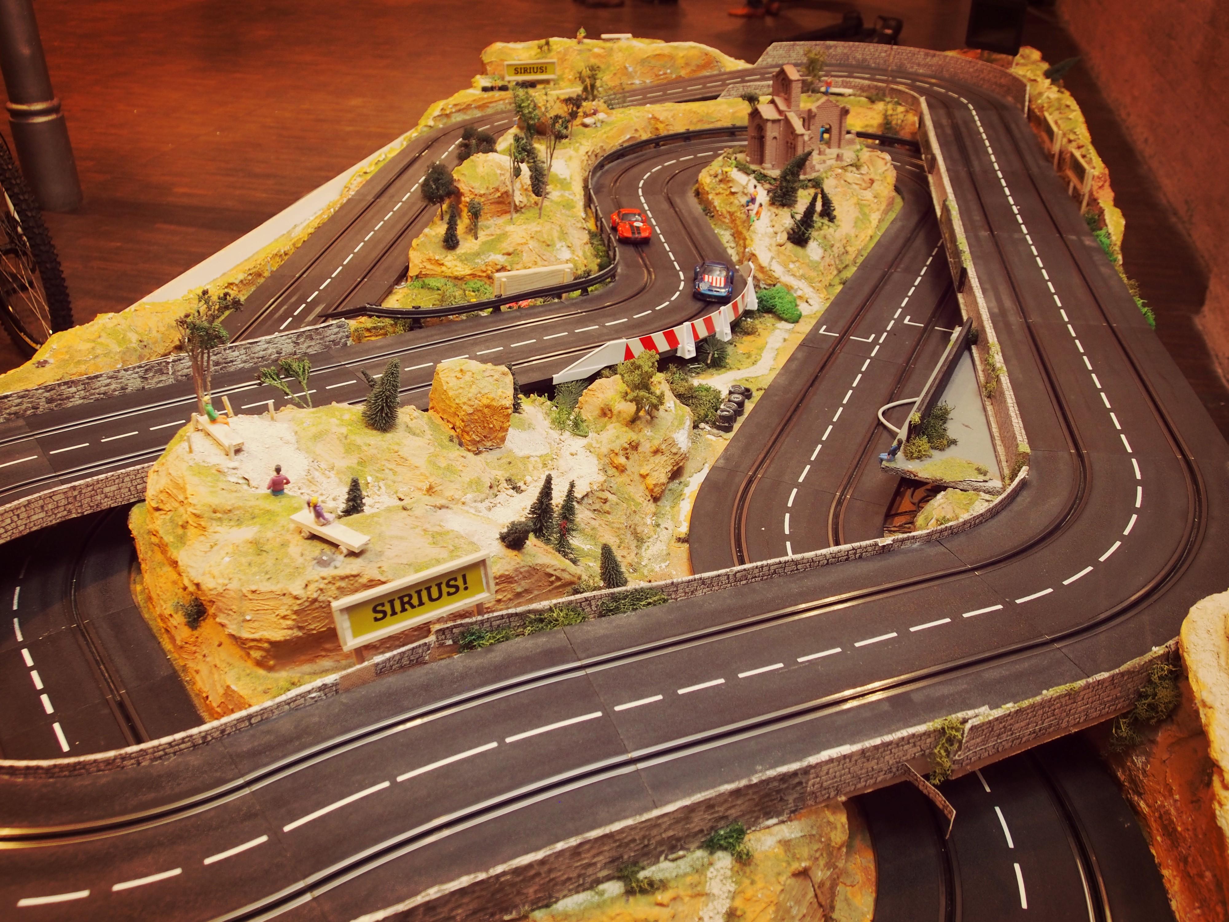 Carrerabahn mit Fahrradabtríeb