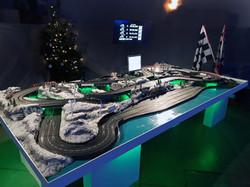 Autorennbahn in Weihnachtsoptik