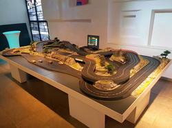 Slotcar-Bahn für 4 Fahrer