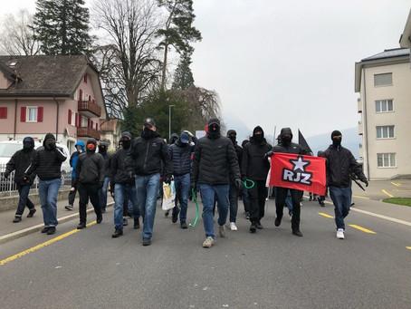 Schwyz bleibt Antifa - Nazis verstecken sich im Dönerstand hinter den Bullen