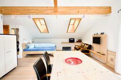 Wohnzimmer mit Dachfenster