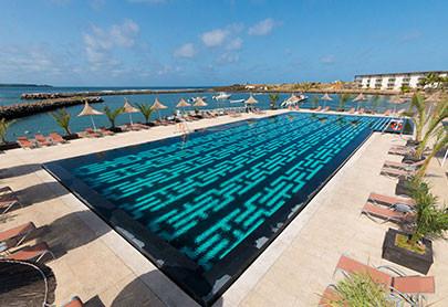 La piscine de l'hôtel Terrou Bi