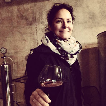 Joanna Dubrawska with the Maninalto natural wine glass