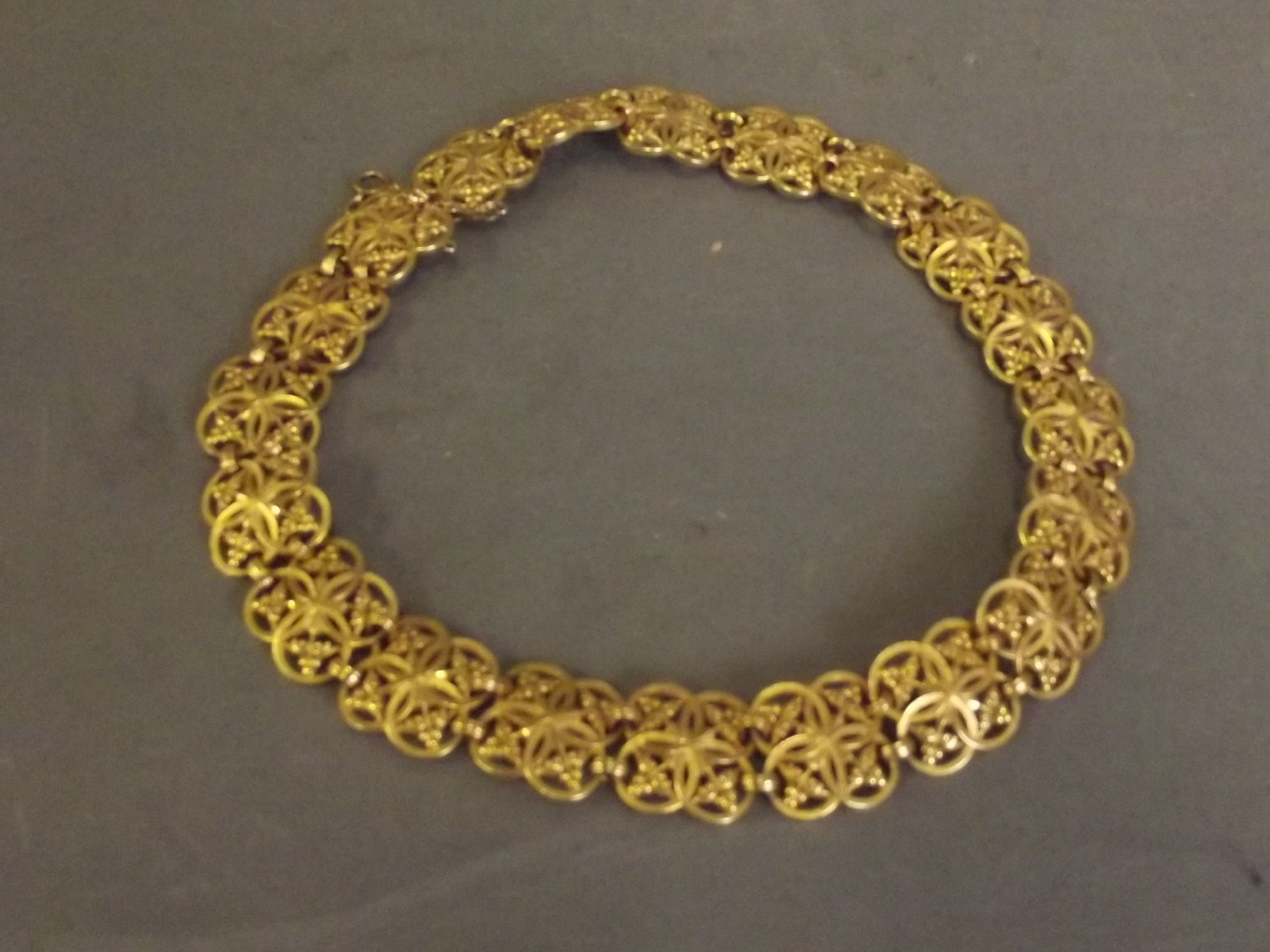 Hallmarked French 18ct Gold Choker