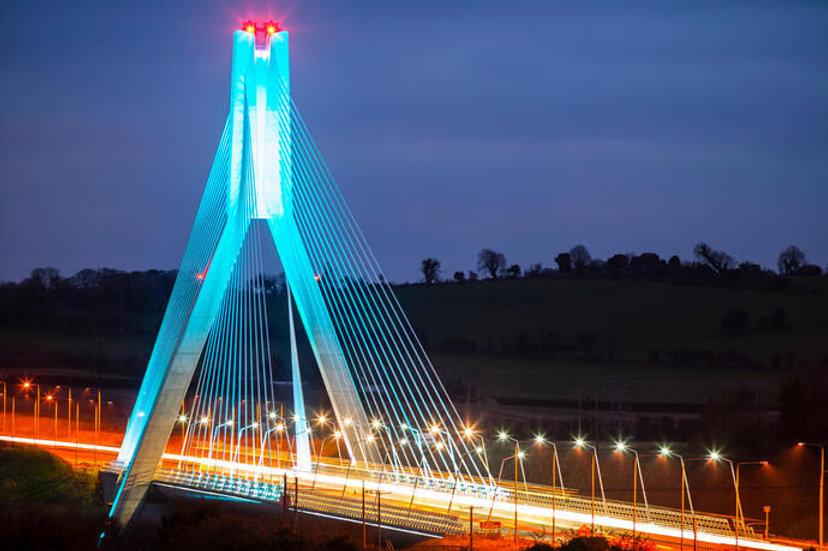 Boyne cable bridge in Drogheda.jpg