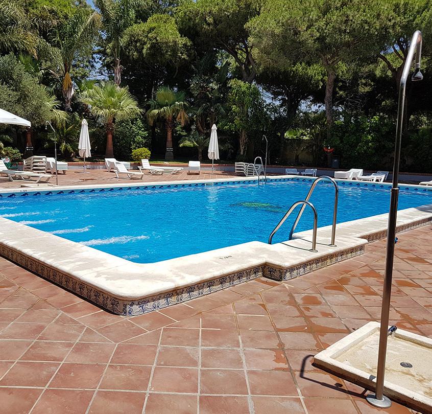 La piscine du camping Tarifa