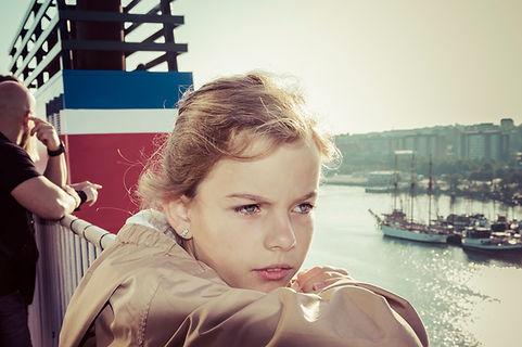 Camille su le bateau quittan Gotebrog