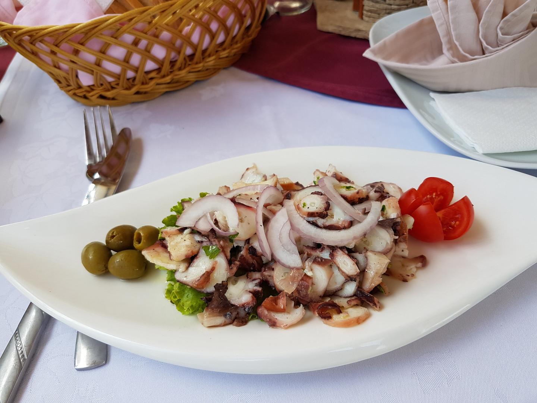 salade-de-poulpe-Loviste_142957.jpg