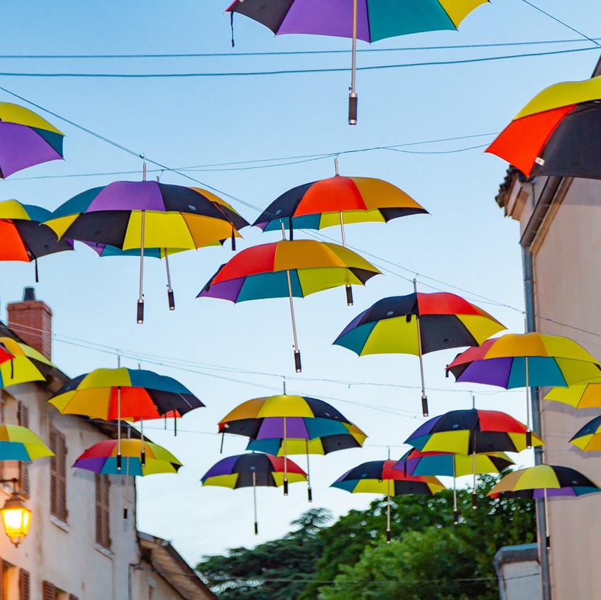 Clochemerle et ses parapluies