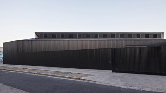 caseros-depot-moarqs-architecture-black-