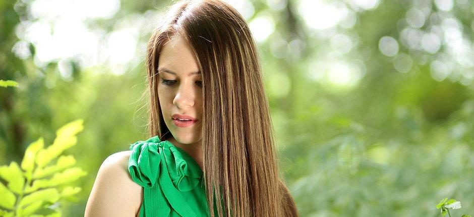 girl-1512331_1920.jpg