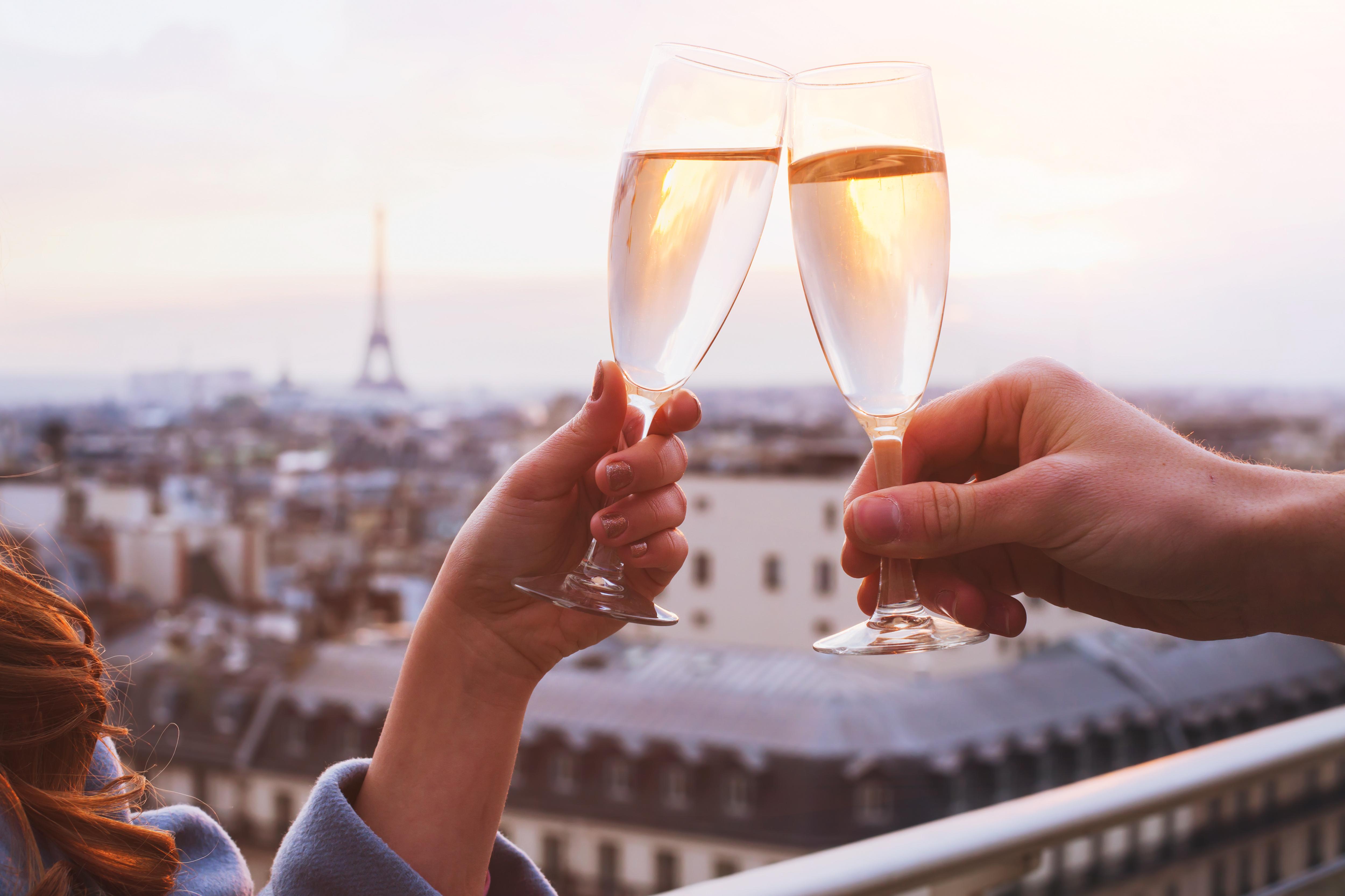#Paris #dating #kikidating #France