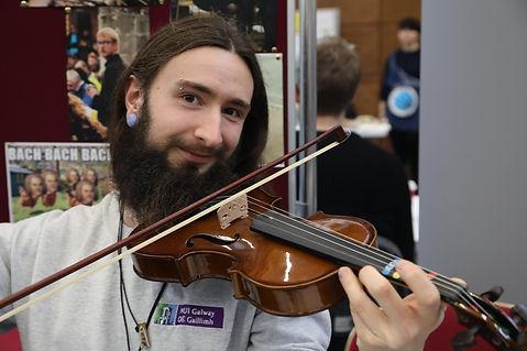 orchestra violin.jpg