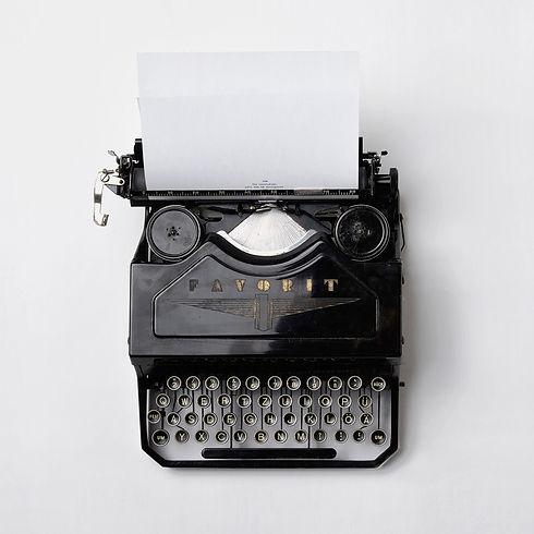 LJIZlzHgQ7WPSh5KVTCB_Typewriter_01-3_edited.jpg