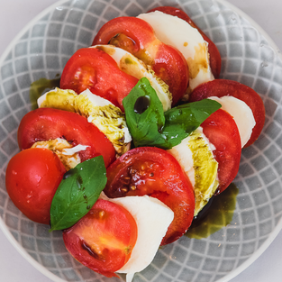 Fresh market and homemade Mozarella - July 12 - with outdoor dining