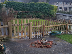 4ft Picket fence with gate _ Calver.jpg