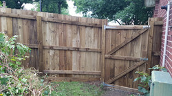 6ft featheredge fence with access gate.j
