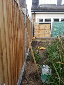 42ft Vertilap fence with concrete posts