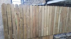 3ft round top paling fence wide to narro