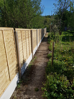 12 bays concrete post, plinthe and panel