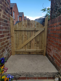 solid arched top 3ft gate rear.jpg