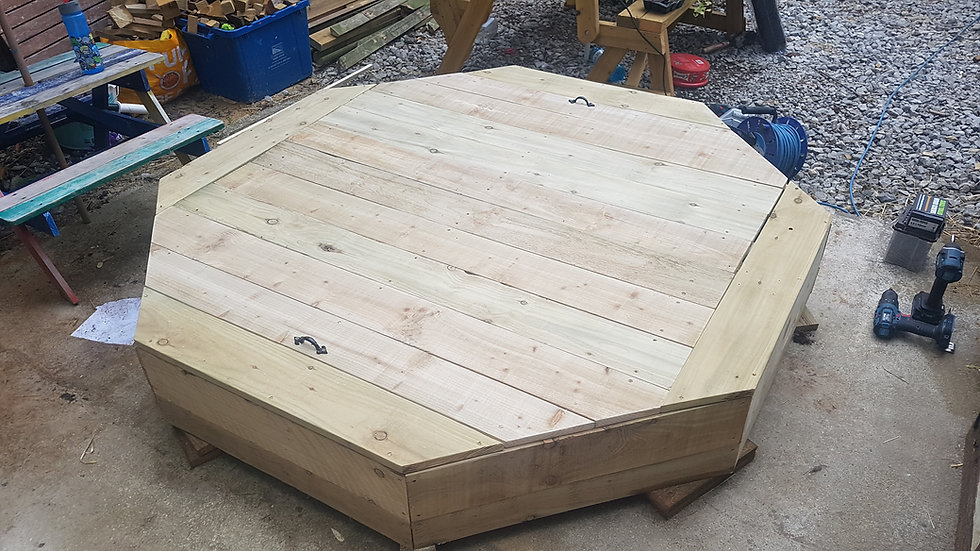 6x6 octagonal sand pit with lid