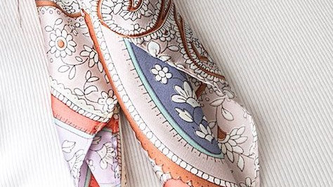 FOREVER ENGLAND PAISLEY PINK SCARF