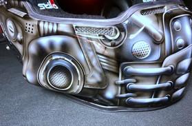 Karbonová helma Stilo nakreslená do designu Maverick, podle známého filmu s Tomem Cruisem Top Gun