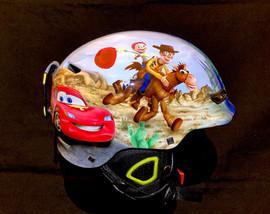SNB helma O'neal pomalovaná pohádkovými a komiks motivy :-)