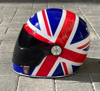 Helma BELL vyladěná k motocyklu Triumph