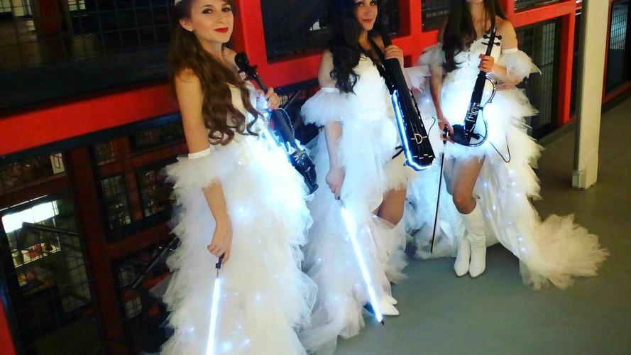 Свето-музыкальное шоу Violin Group DOLLS