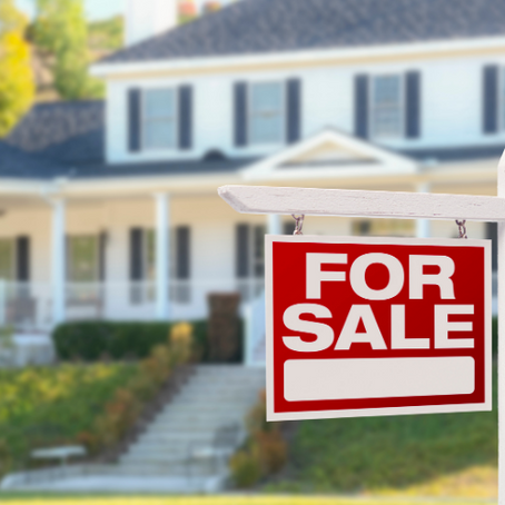 Hiring a Friend to Sell Your House