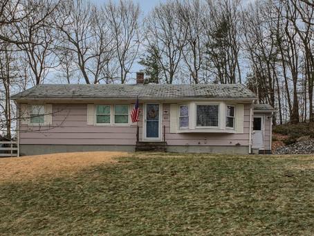 433 Quinapoxet St, Jefferson, MA 01522