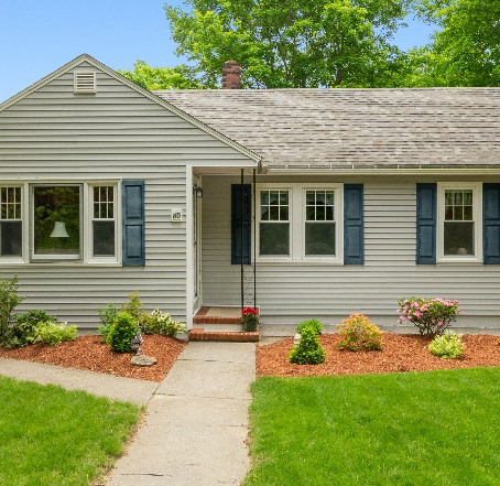 85 Chace Hill Rd, Sterling, MA 01564