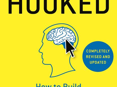 """J'ai bien accroché au livre """"Hooked"""" de Nir Eyal : résumé"""