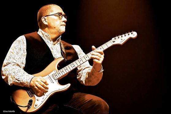 Jean Raven, Guitarist