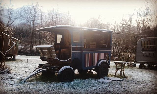 #roulotte #woonwagen #winter #herbeumont #Arnocamps #insolite #retrocamping #coffeeshop #ardennes #a
