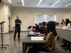 Conheça a CultureWorks School, no Canadá.