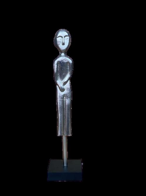 Escultura Mulher Alumínio Base Em Madeira