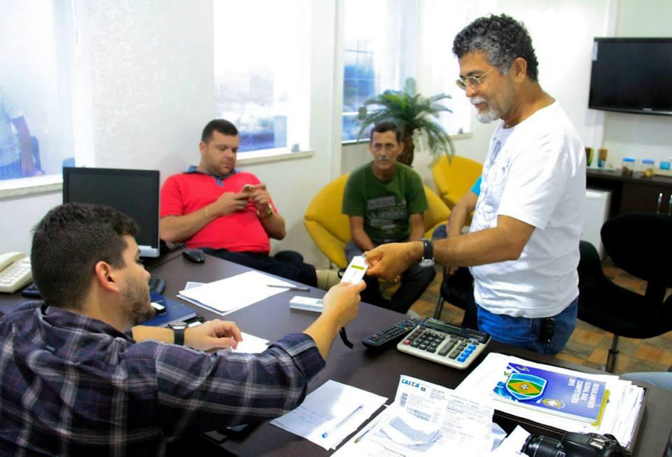 Comissão da Arfoc-AL reunida com Felipe Feijó, da FAF (fotos: Alan Jones/Ascom FAF)