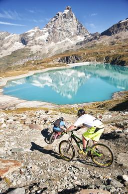 VALLE_D'AOSTA-Mountain_bike_à_Breuil-Cer