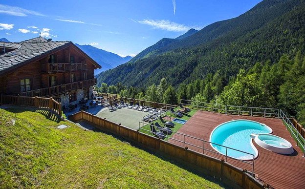 Mont Avic Resort