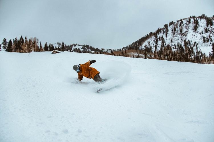 snowboard piste de ski montagne