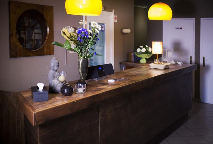 Réception de l'hôtel Les Sables d'Or - Ontvangst van het hotel Les Sables d'Or
